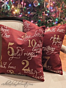 Hand painted Holiday Pillow with ALittleClaireification.com #holidaycrafts #crafts #diy